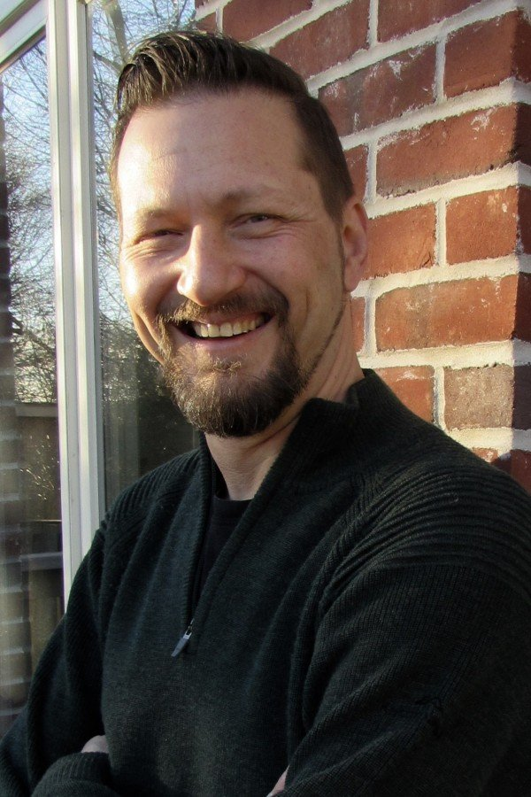 Episode 72: Interview with Dr. Robert T. Muller Author of Trauma & The Struggle to Open Up